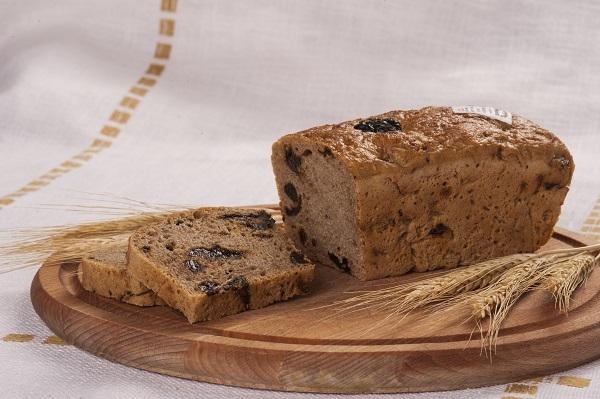 Chleb pytlowy ze śliwką